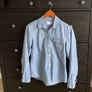 Chambray vineyard vine button down shirt